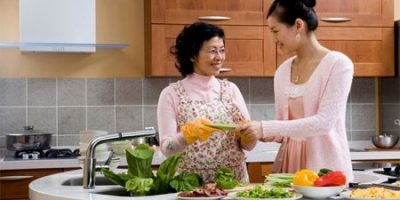 Cách lấy lòng mẹ chồng dành cho con dâu