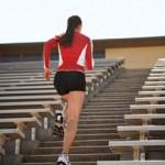 Đi cầu thang bộ để cải thiện sức khỏe