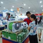 Cách mua và bảo quản quạt sạc