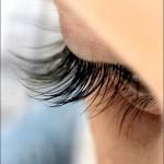 Làm sao kết hợp lông mi giả vào mi thật cho đẹp tự nhiên ?