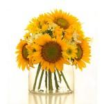 Cách cắm hoa để bàn trang trí cho phòng khách thêm tươi