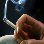 Ngửi khói thuốc lá nhiều sẻ gây lảng tai