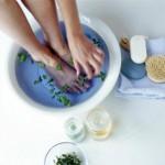 Ngâm chân để thư giãn và chữa bệnh