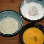Tự làm bánh gà chiên xù