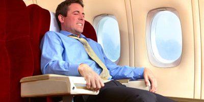 Bí quyết tránh ù tai khi đi máy bay