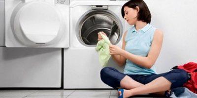 Bạn có thể dùng dấm ăn để khử mùi máy giặt