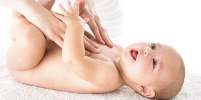 Thận trọng khi dùng phấn thơm cho bé