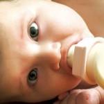 Chọn bình sữa thích hợp cho con