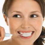 Bà bầu nên đánh răng thường xuyên