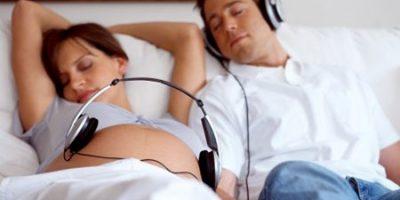 Cho thai nhi nghe nhạc có thể gây điếc cho bé sau này