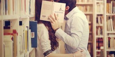 Những nụ hôn đáng
