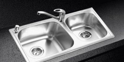Mẹo làm sạch bồn rửa và vòi nước
