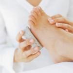 Chăm sóc đôi bàn chân