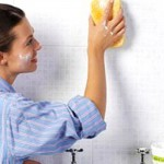 Mẹo sử dụng dấm và muối khử mùi nhà vệ sinh