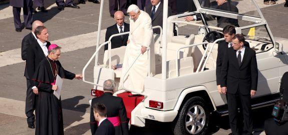 pope-pano 24131