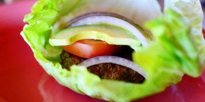 Salad kẹp burger cực hấp dẫn