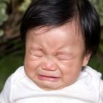 Trẻ bị khóc ngất có sao không?