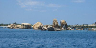 Khám phá nét đẹp hoang sơ độc đáo của vịnh Vân Phong