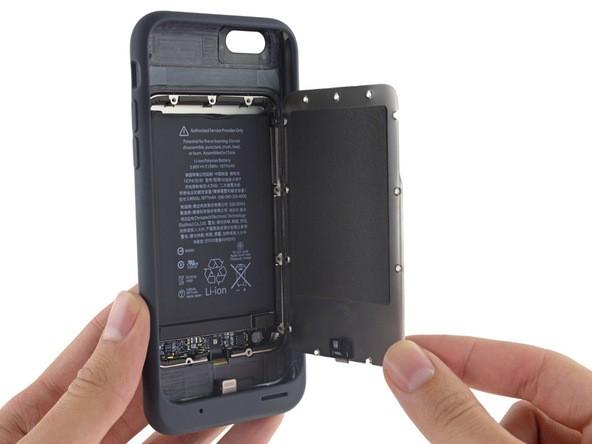 Khám phá bên trong chiếc ốp lưng chính chủ Apple Smart Battery Case.