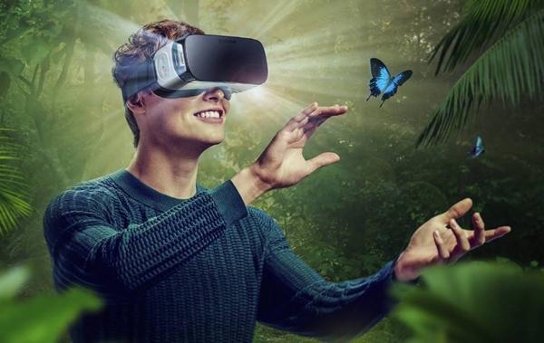 Người dùng trải nghiệm cùng S7 và Samsung Gear VR
