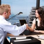 Tìm cơ hội trong giao tiếp: Bạn làm nghề gì?