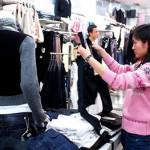 Cách chọn quần áo tốt khi đi mua sắm