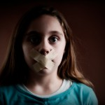 Cách huấn luyệ con gái cách bảo vệ bản thân trước người lạ