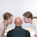 Có nên cho nhân viên biết mức lương của đồng nghiệp?