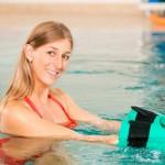Chống loãng xương bằng cách đi bộ dưới nước