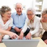 Người già nên thiết lập nhiều mối quan hệ